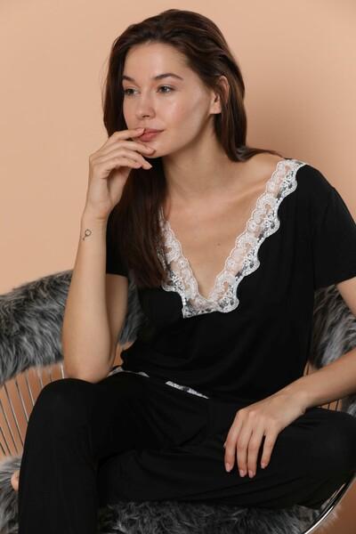 - Kısa Kollu Dantel Detaylı Viskon Pijama Takım
