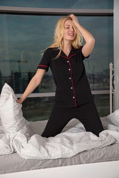 - Kısa Kollu Pamuklu Likralı Düğmeli Biyeli Pijama Takım