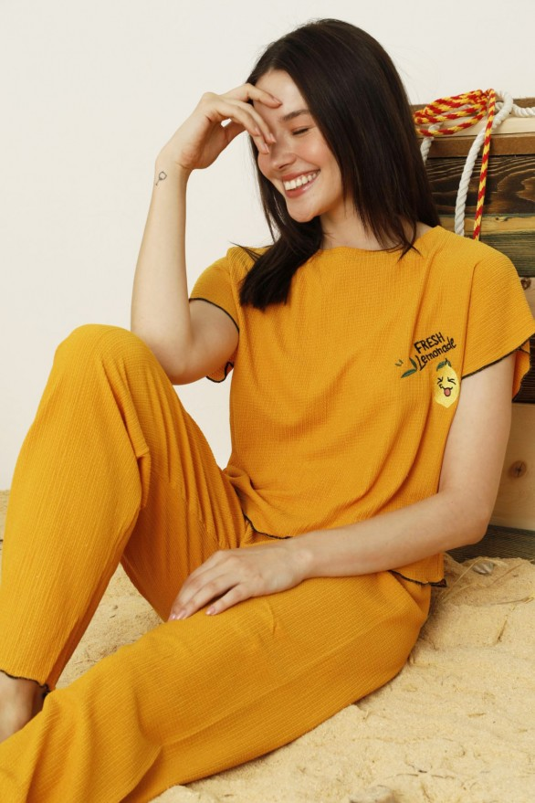 SİYAH İNCİ - Hardal Krinkıl Kumaş Nakışlı Likralı Pijama Takım