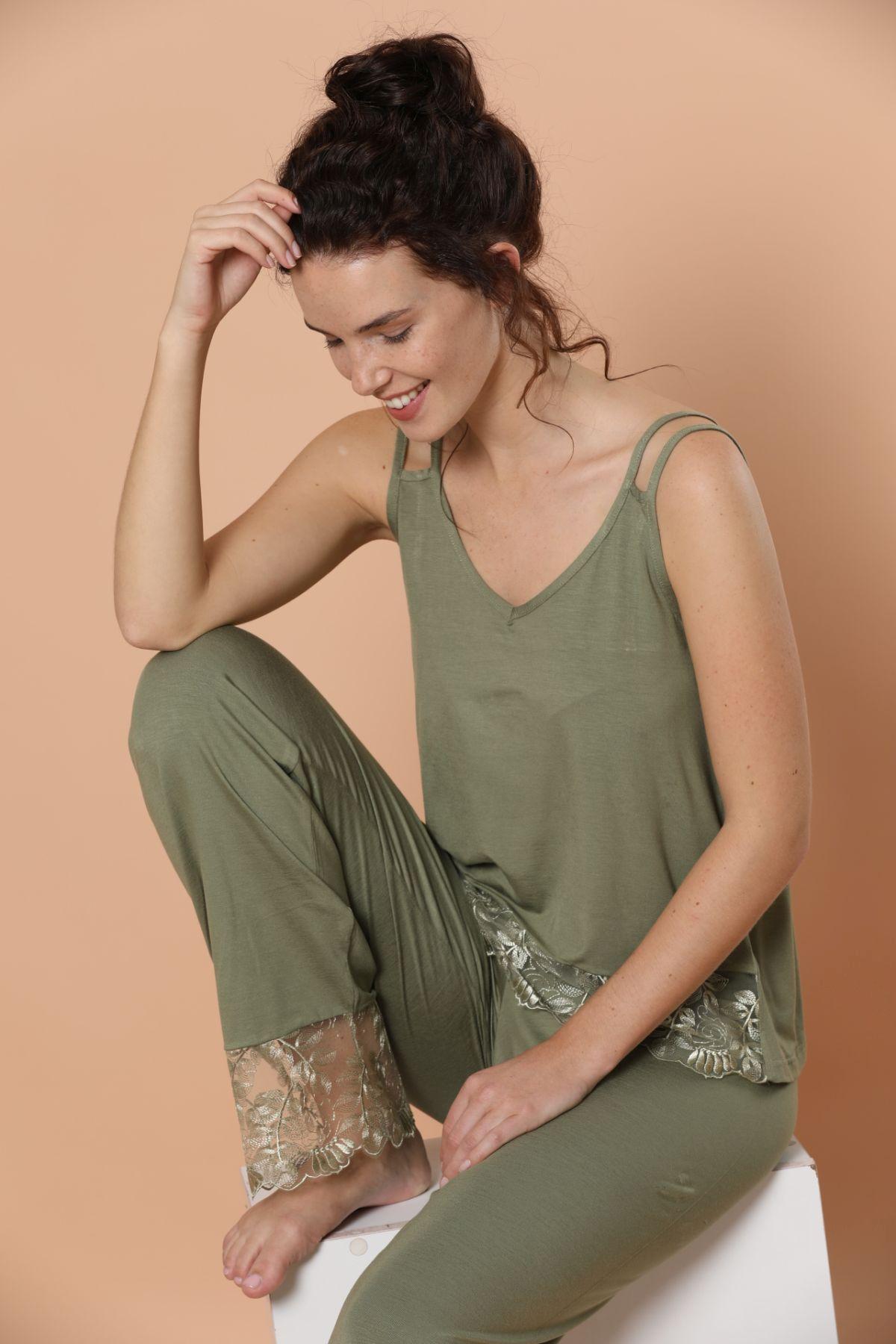 İp Askılı Dantel Detaylı Viskon Pijama Takım