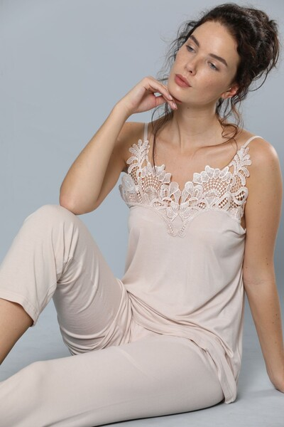 SIYAH INCI - İp Askılı Dantel Detaylı Viskon Pijama Takım