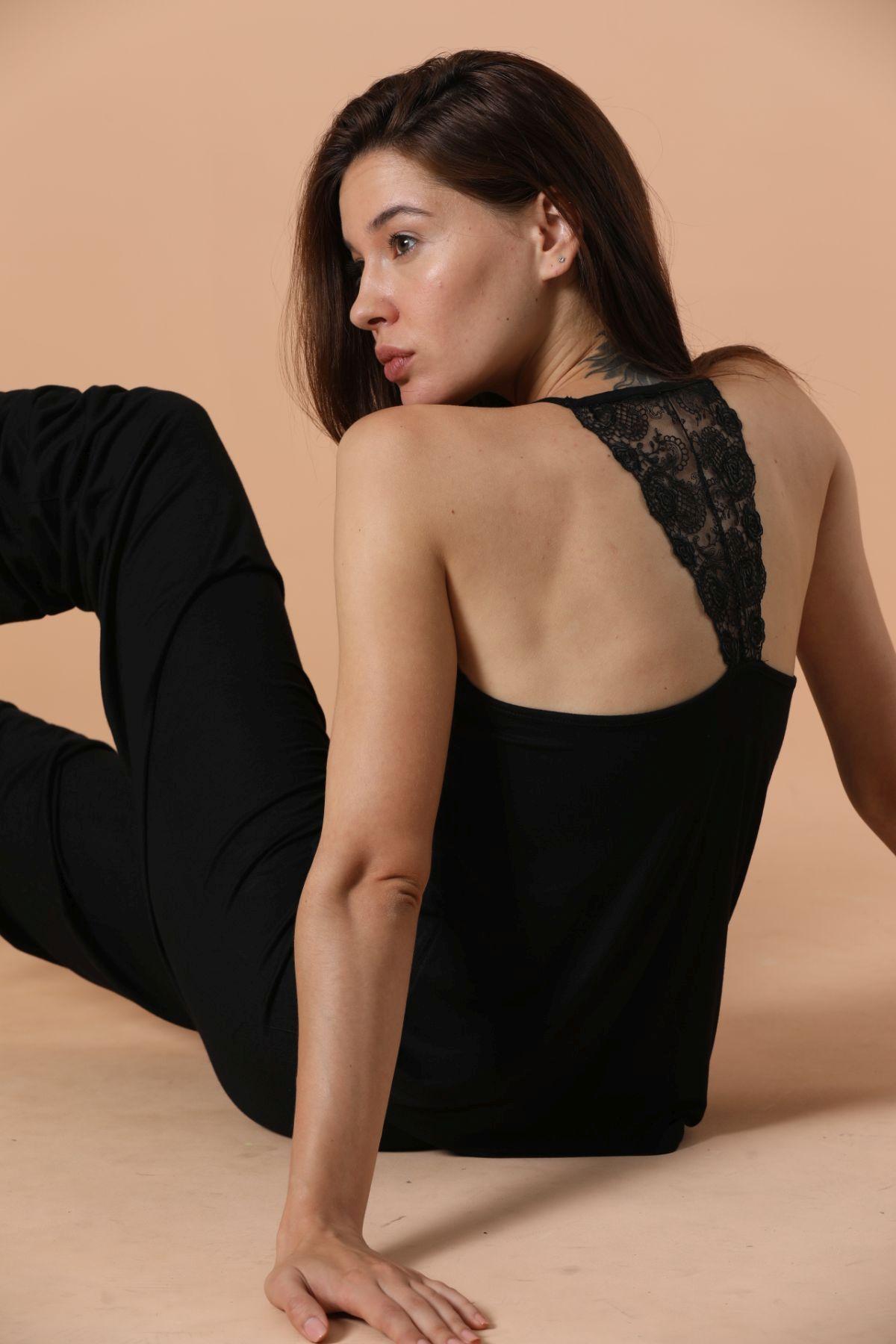 İp Askılı Dantel Ve Sırt Detaylı Viskon Pijama Takım