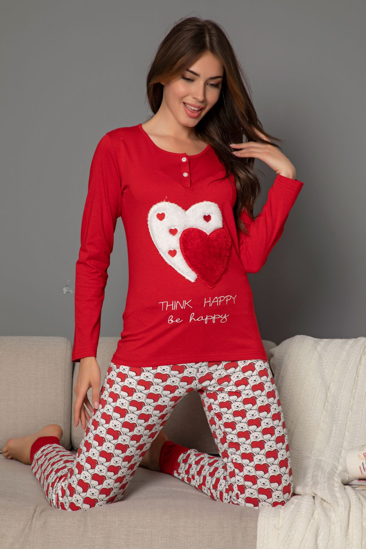 Kadın Pamuklu Likrali Düğmeli Nakışlı Pijama Takım