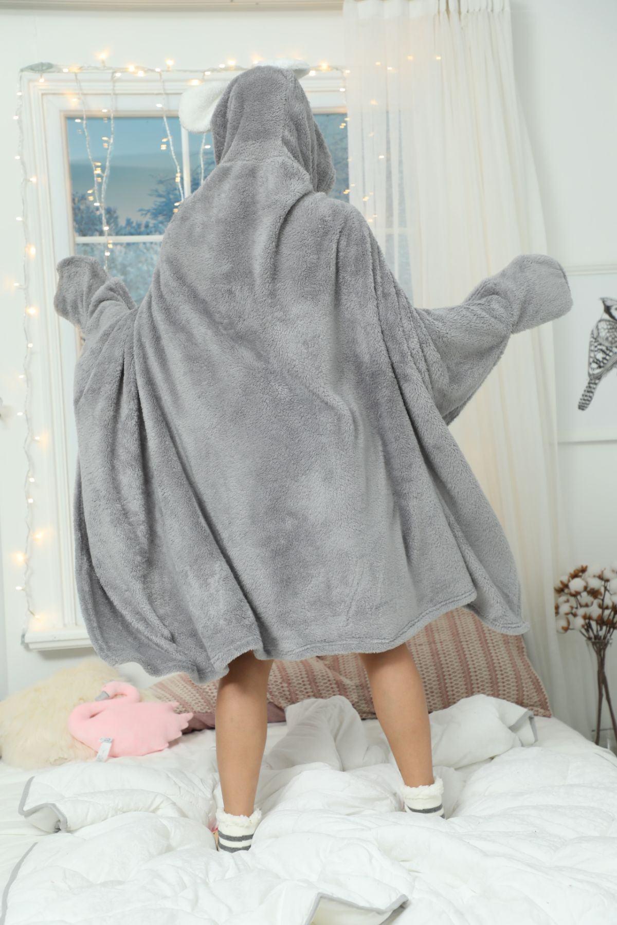 Kapişonlu Nakışlı Battaniye