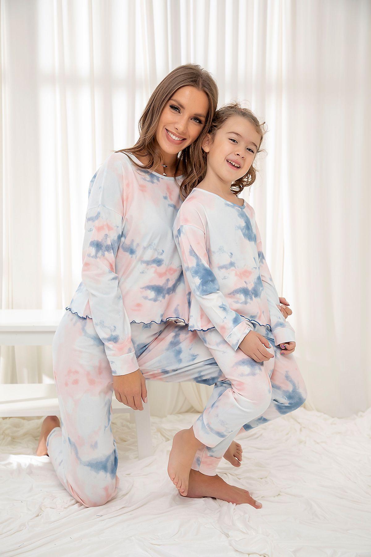 Pamuklu Likrali Batik Desenli Pijama Takım