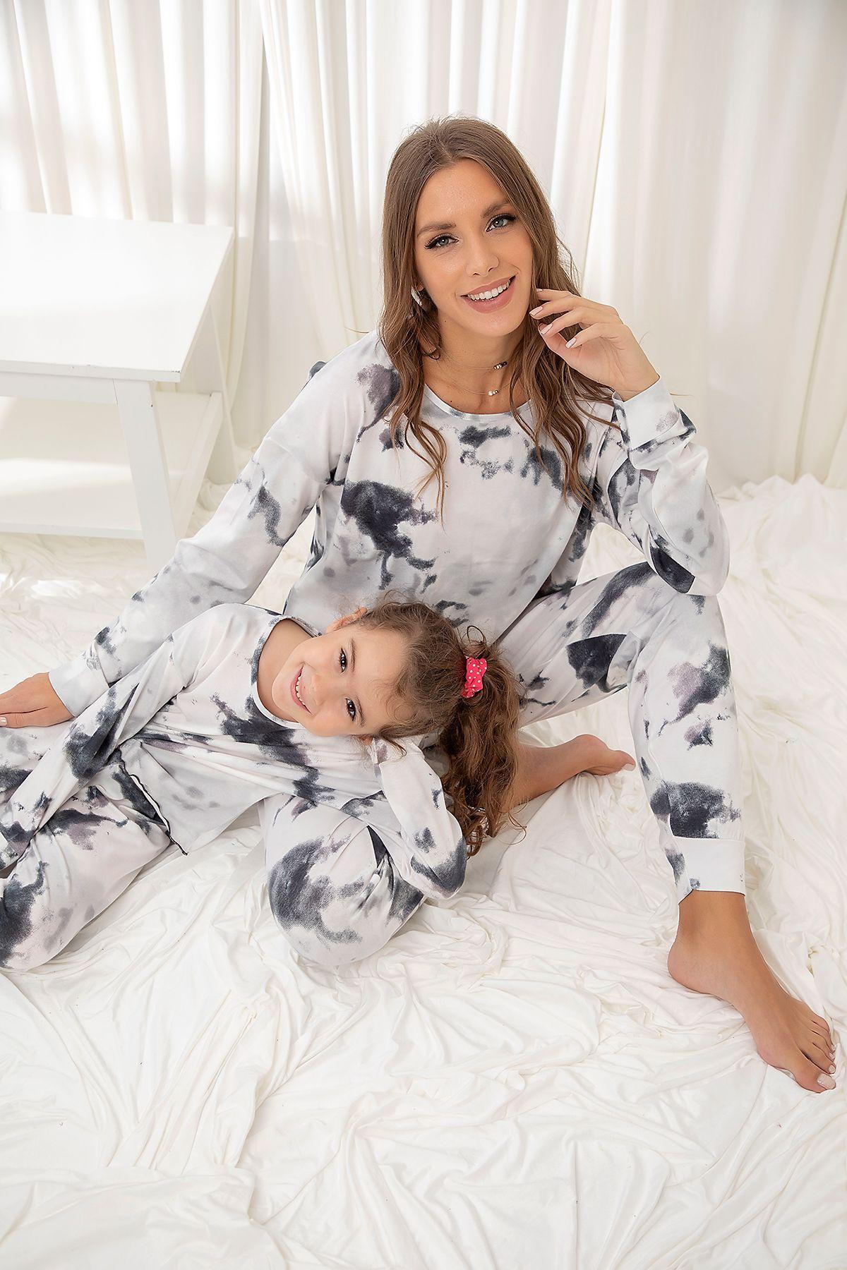 SIYAH İNCİ - Pamuklu Likrali Batik Desenli Pijama Takım (1)