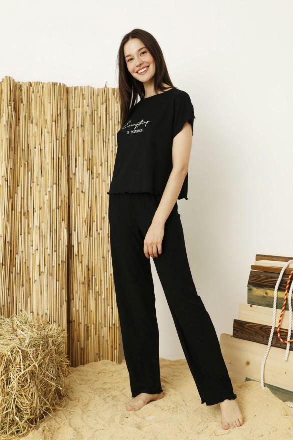 SİYAH İNCİ - Siyah Krinkıl Kumaş Nakışlı Likralı Pijama Takım